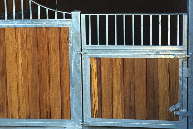 internal stable - pony door