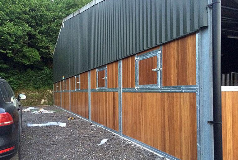 Custom Stable Designs side walls