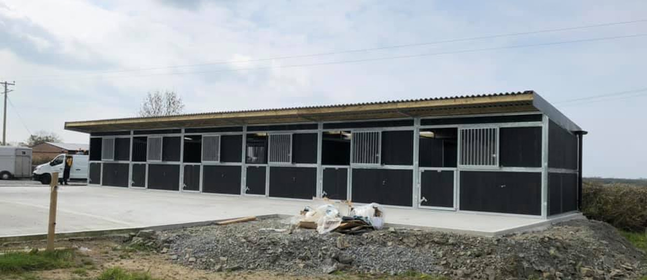 How to build a stable block